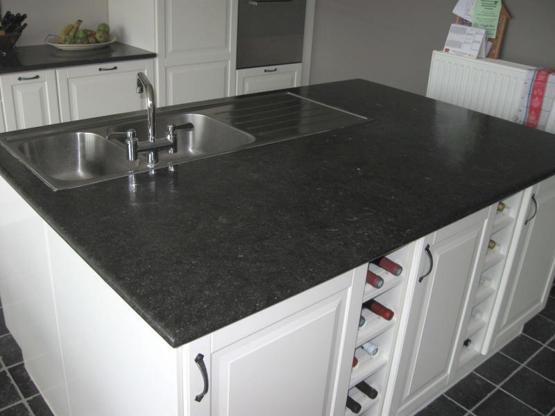 Keukenwerkblad materialen het beste idee van inspirerende interieurfoto 39 s - Zwart granieten werkblad prijs ...